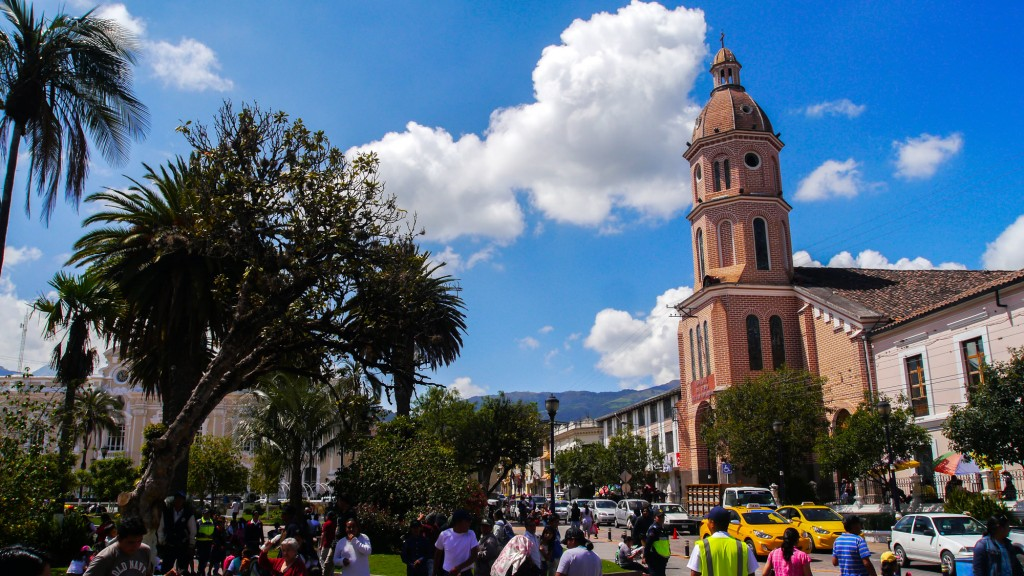 Otavalo center church